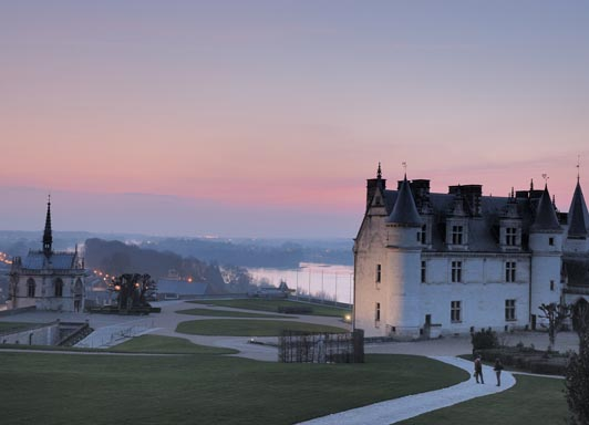 Image: Amboise at sunset.  © Laurent Massillon.